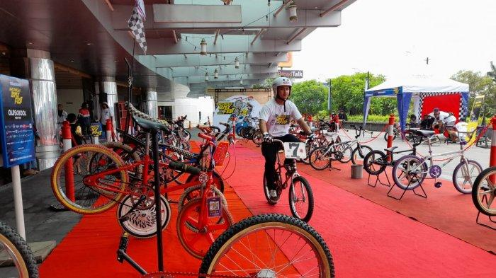Penampakan Sepeda BMX merk Peugeot CPX yang menyentuh angka Rp 50 Juta dipamerkan di event Indonesia BMX Fest di Hartono Mall Solobaru Minggu (13/12/2020).