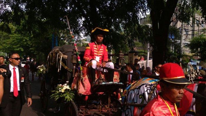 Naiki Kereta di Urutan Pertama, Bobby Nasution Berangkat Menuju Graha Saba Solo