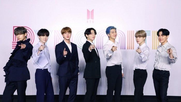 BTS saat konferensi pers jelang single terbarunya, Dynamite, rilis, Jumat (21/8/2020).