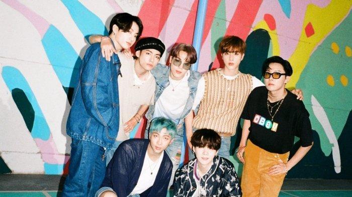 Lirik Lengkap Lagu 'Dynamite' BTS, RM dan Kawan-kawan Ungkap Cerita di Balik Produksi Lagu