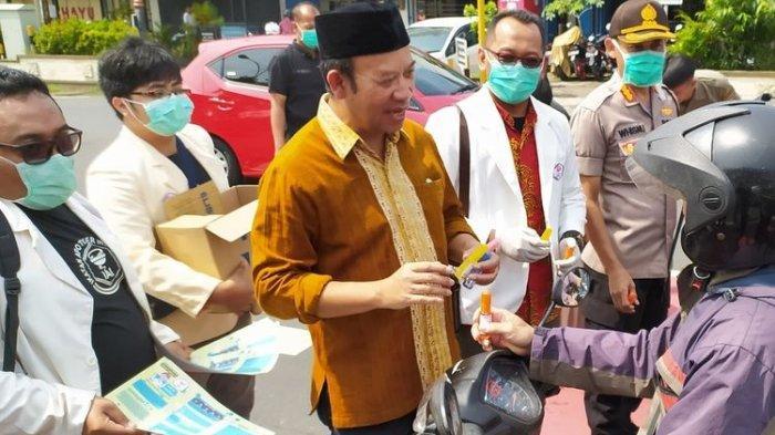 Viral Bupati Banyumas Buat Hand Sanitizer Berbahan Ciu, 'Dari Pada untuk Mabuk-mabukan'
