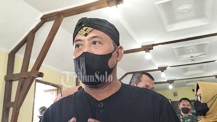 Bupati Karanganyar Marah, Bantuan Tunai ke PKL Pakai Amplop Bertuliskan Namanya