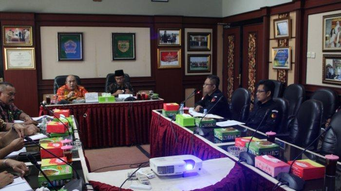 Bawaslu Sukoharjo Evaluasi Proses Pilkada, Ada 3 TPS Kekurangan Surat Suara, KPU : Sudah Teratasi