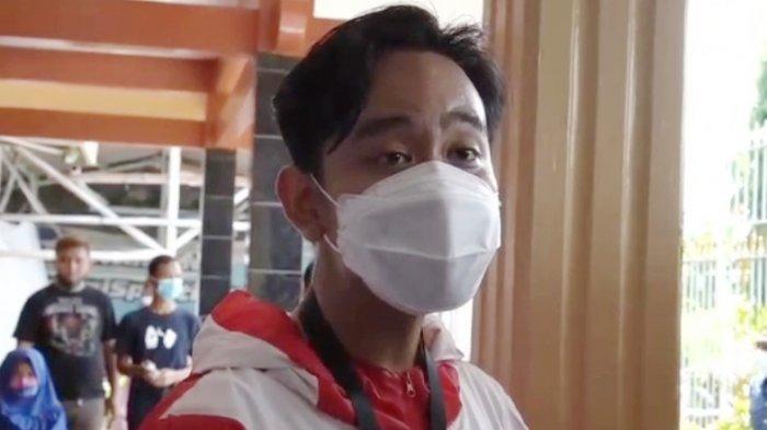 Suara Gibran Putra Jokowi Bergetar dan Meninggi, saat Bantah Isu Tas Bansos yang Menyasar Dirinya