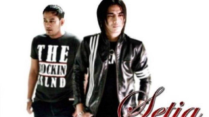 Chord Kunci Gitar dan Lirik Lagu Istana Bintang - Setia Band: Biarkan Orang Tertawa. . .