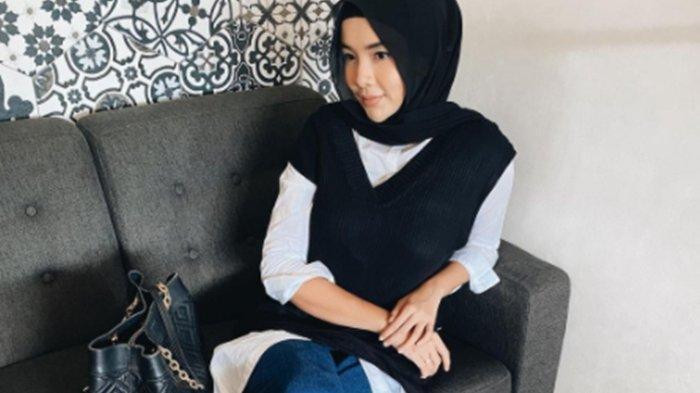 Satu Lagi Mantan Puteri Indonesia Putuskan Ubah Penampilan dengan Berhijab, Intip Penampilannya Kini
