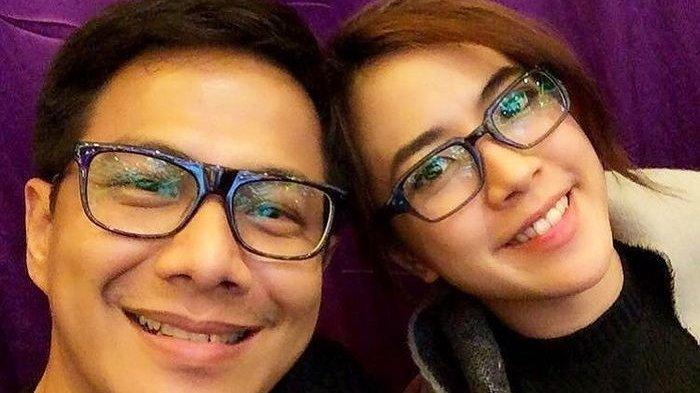 Di Tengah Proses Perceraiannya, Delon Mengaku Masih Cinta Yeslin Wang