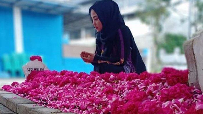 Dewi Perssik Bagikan Desain Musholla Adil yang akan Dibangun untuk Mendiang Sang Ayah