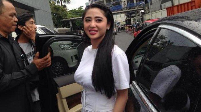 Dewi Perssik Nanti Malam Laporkan Balik Petugas Transjakarta ke Polisi dengan 2 Alat Bukti