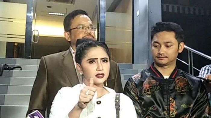 Terobos Busway, Dewi Perssik Ngotot Sebut Kantongi Diskresi dari Polisi