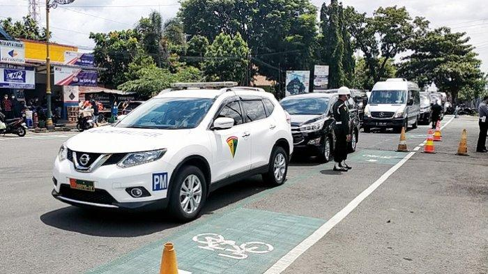 Penjagaan ketat di sekitar Stasiun Klaten menjelang kedatangan Presiden Jokowi, Senin (1/3/2021).