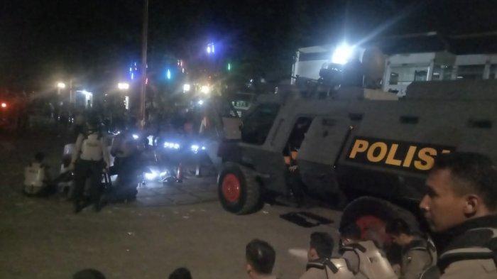 Situasi Sempat Panas, Polisi Mengaku Tak Lakukan Tindakan Represif kepada Massa di Depan DPRD Solo
