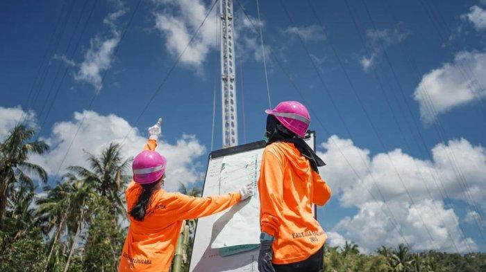 Badai Siklon Topis Seroja Hantam NTT, Dua Srikandi PLN Ikut Terjun Dirikan Tower Listrik Darurat