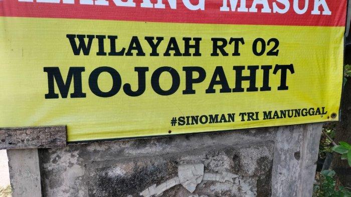 Dusun Mojopahit dan Dusun Sambigaluh yang letaknya berdampingan, di