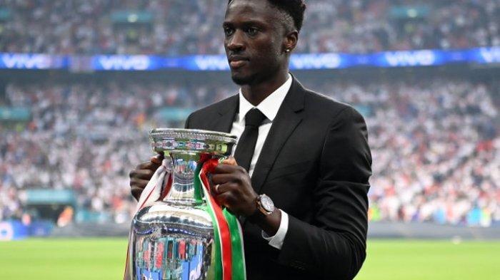 Kisah Miris di Balik Pembawa Trofi Euro 2020, Dulu Bawa Negaranya Juara Euro Kini Tak Diminati Klub