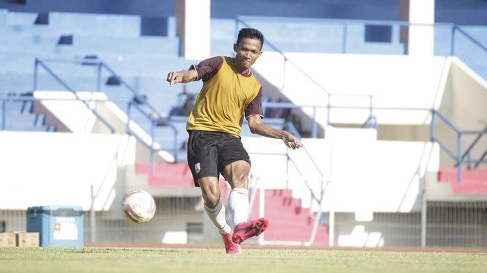 Persis Solo Unggulan Liga 2, Eky Taufik Enggan Sesumbar, Singgung Kekompakan Tim & Dukungan Suporter