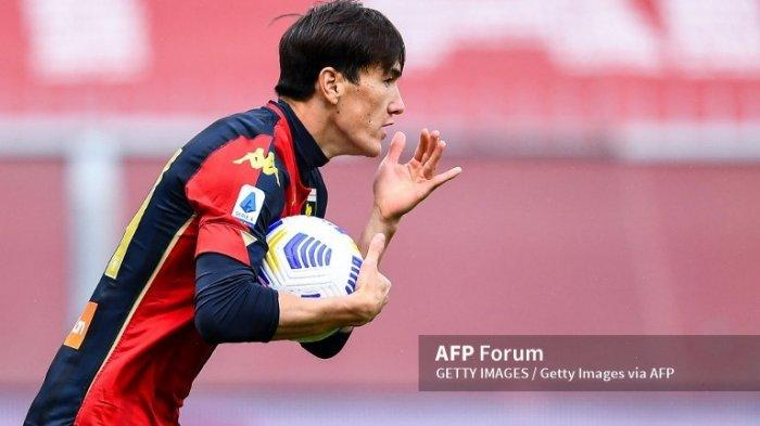 Eldor Shomurodov, Striker Uzbekistan Gacuk Baru Jose Mourinho di AS Roma & Pesaing Edin Dzeko