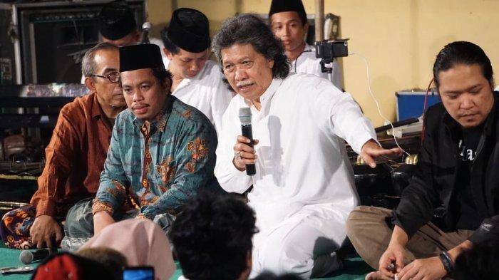 Saran Cak Nun Tanggapi Kasus 6 Laskar FPI Tewas: Saatnya Dialog 4 Mata Antara Jokowi & Habib Rizieq