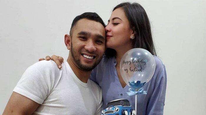Enji Baskoro Mantan Ayu Ting Ting Rayakan Ultah dengan Istri yang Hamil Besar, Intip Foto-fotonya