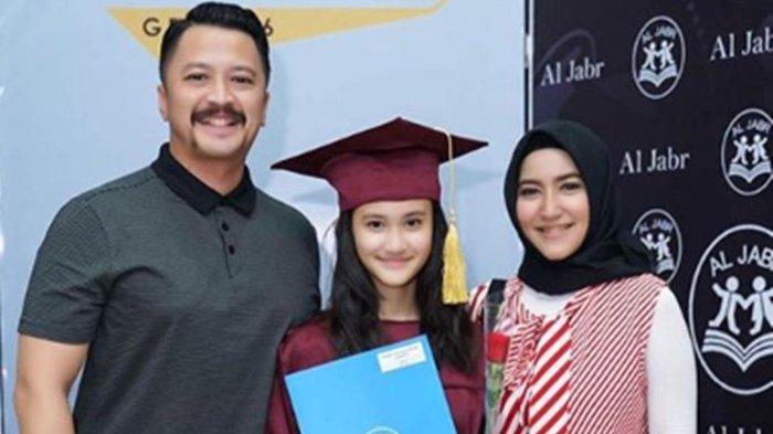 Ferry Maryadi & Mantan Istri Hadiri Kelulusan Anak, Risma Nilawati Sempat Curhat Cerai di Usia Muda