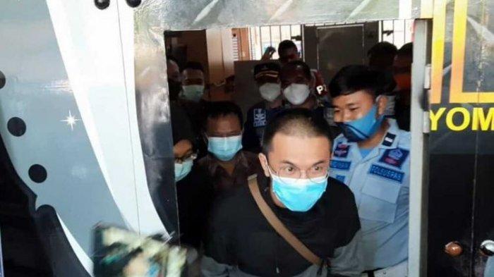 Pemilik Warkop yang Bebas Usai Dikurung 3 Hari Ceritakan Pengalamannya Ditahan: Jangan Seperti Saya