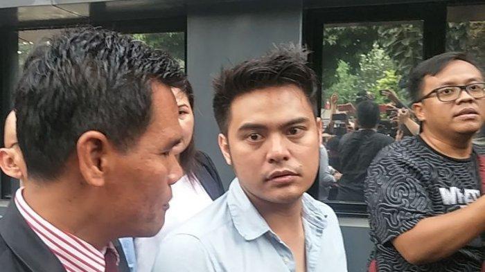 Galih Ginanjar Tampak Lesu Usai 12 Jam Diperiksa soal 'Ikan Asin' di Polda Metro Jaya
