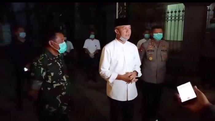 Soal Pemakaman Ibunda Jokowi, Ganjar Pranowo: Besok Kalau Bisa Mendoakan dari Rumah Masing-masing