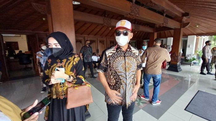 Begini Gaya Wakil Wali Kota Solo Terpilih Jelang Pelantikan, Stylish Dengan Topi dan Kacamata Hitam