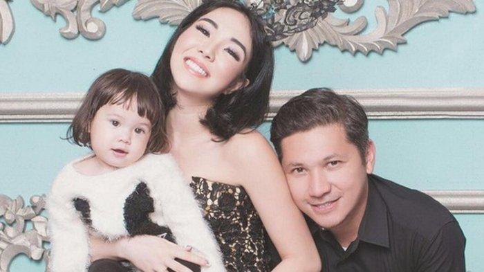 Gading Marten Ajak Putrinya ke Acara Lamaran, Netizen Salfok sama Ekspresi Gempita