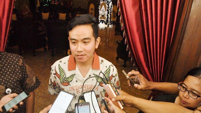 Kemeja Indonesia Raya ala Gibran akan Dicetak Massal, Diprediksi Bakal Booming