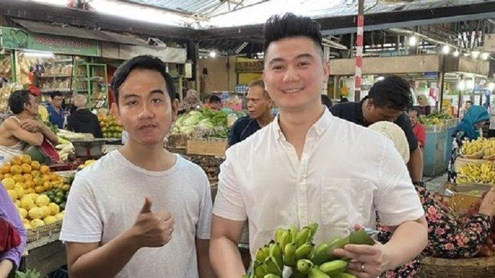 Gibran Blak-blakan soal Alasan Ajak Chef Arnold Blusukan ke Pasar Gede Solo