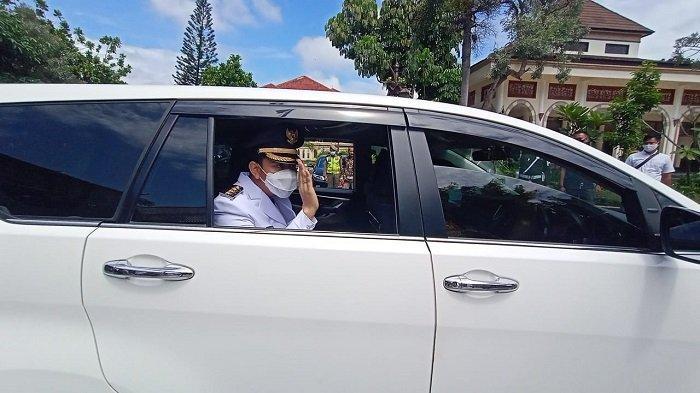 Ikut Slogan Jokowi: Kerja, Kerja! Wali Kota Gibran Langsung Tinjau Pasar Gede, Cek Kesiapan Vaksin
