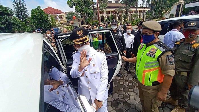 Gibran Rakabuming Raka langsung bertugas seusai dilantik menjadi Wali Kota Solo, Jumat (26/2/2021).