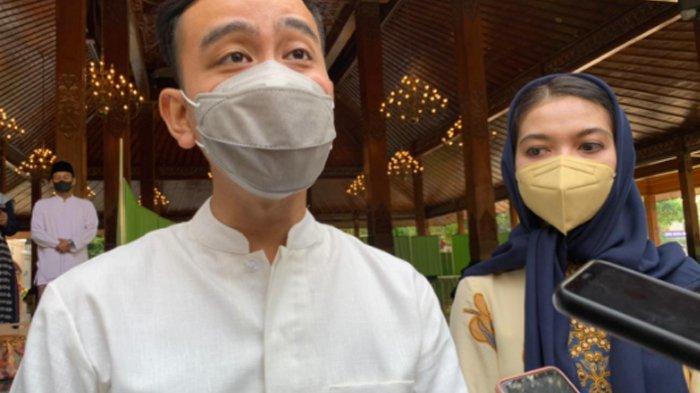Foto Penampilan Selvi Ananda Salat Ied Bersama Gibran di Balai Kota Solo, Pilih Gamis Bermotif Batik