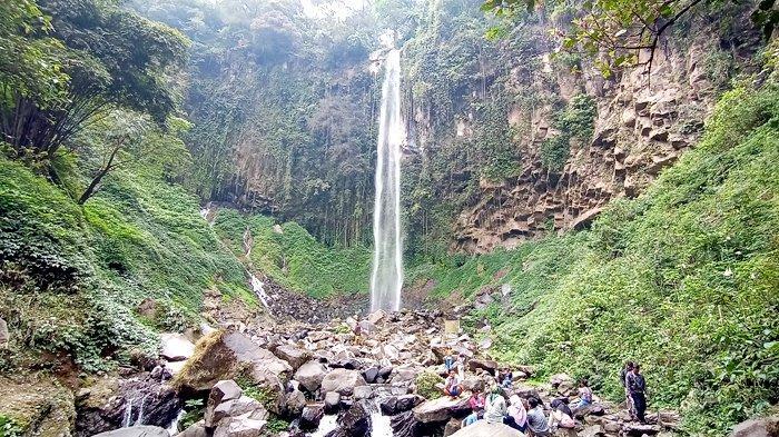 Menikmati Keindahan Alam Air Terjun Grojogan Sewu, Ikon Wisata di Lereng Gunung Lawu Karanganyar