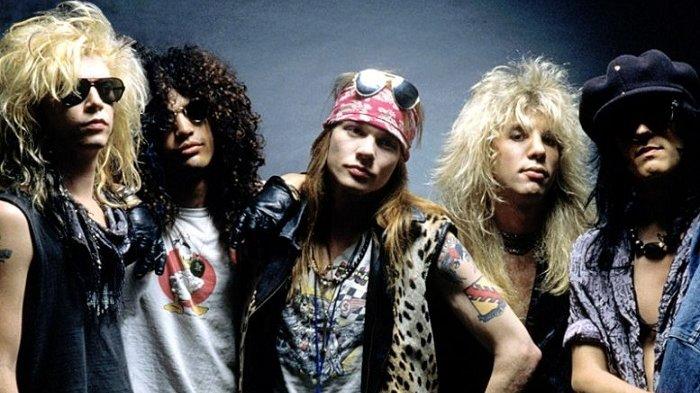 Steven Adler, Mantan Drummer Guns N Roses Dilarikan ke Rumah Sakit setelah Menikam Perutnya Sendiri