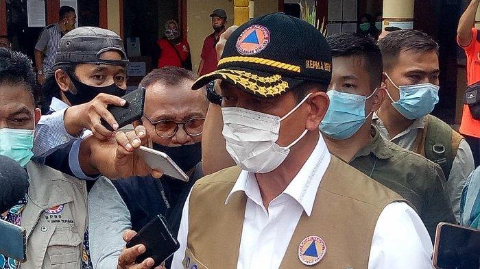 Doni Monardo Salurkan Bantuan Rp 1 Miliar untuk Pengungsi Merapi: Jangan Sampai Terpapar Covid-19
