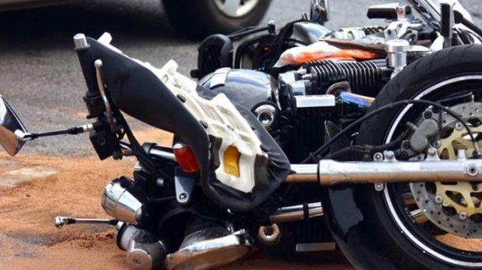 Vixion Adu Banteng dengan CB150R di Sukoharjo, Motor Remuk: Pengendara Luka-luka