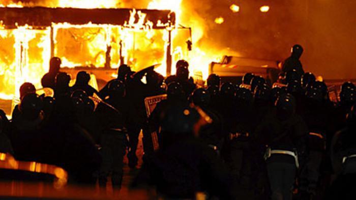Kesaksian Mantan Aktivis 1998 soal Kerusuhan Solo Mei 1998 : Kampus Diliburkan, Warga Bikin Barikade