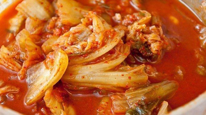 Sayangi Ususmu dengan Mengonsumsi 15 Makanan Ini, Salah Satunya Makanan Korea Kimchi