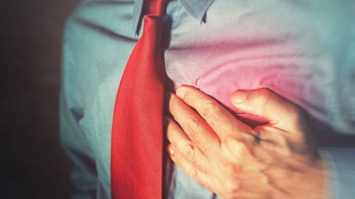 Mengenal Tanda Awal Serangan Jantung yang Perlu Diwaspadai: Sesak di Dada hingga Keringat Dingin