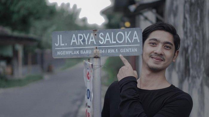 Jalan Arya Saloka di Desa Gentan, Kecamatan Baki, Sukoharjo