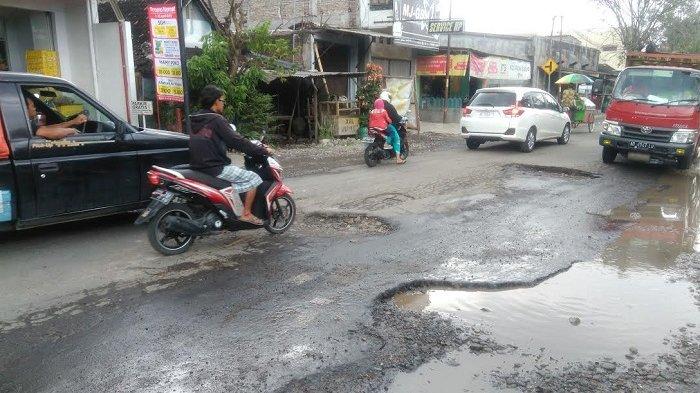 Beton Belum Berumur, Jl Kyai Mojo Penghubung Solo-Sukoharjo Hanya Bisa Digunakan Separuh