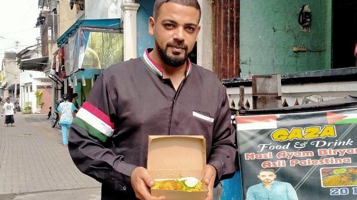 Kisah Pria Palestina Keliling Indonesia Jual Nasi Biryani & Kebuli Pakai Motor, Kini Singgah di Solo