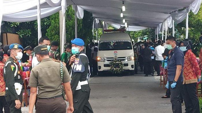 Sudah Disalatkan, Jenazah Ibunda Presiden Jokowi Diberangkatkan ke Pemakaman Keluarga di Karanganyar