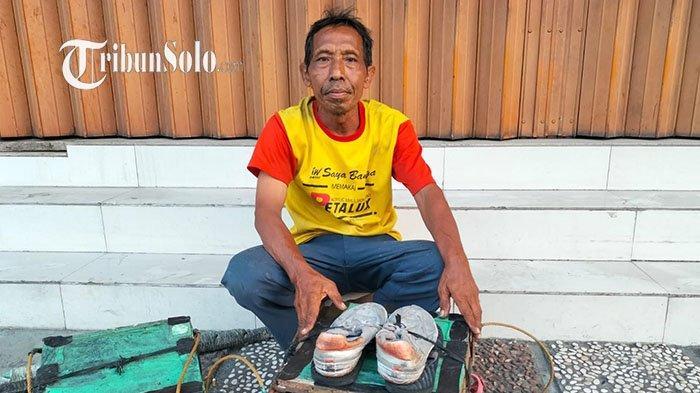 Kisah Joko, 20 Tahun Jadi Tukang Sol Sepatu: Jalan dari Kartasura-Solo, Modal Teh Hangat & Gorengan