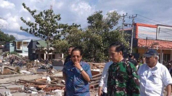 Usai Pimpin Rapat Terbatas, Jokowi Susuri Bangunan Runtuh Akibat Gempa dan Tsunami di Palu-Donggala