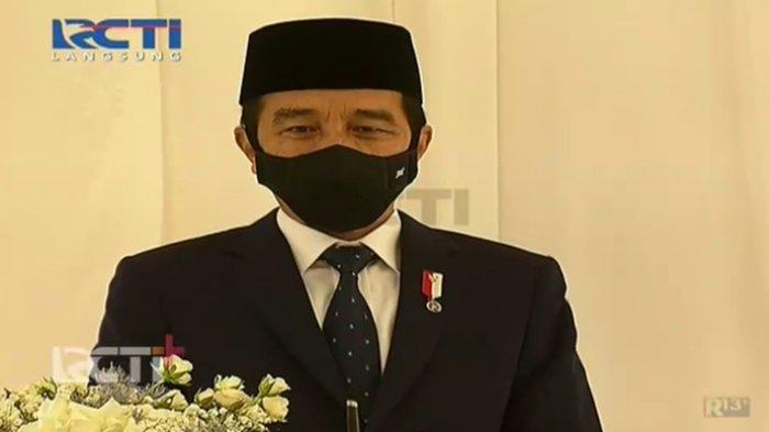 Jokowi saat menghadiri pernikahan Atta dan Aurel.