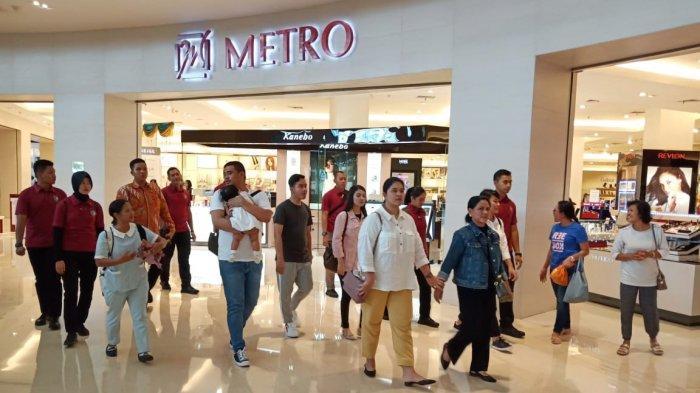 Jokowi Bersama Keluarga Jalan-jalan di The Park Mall Solo Baru, Kok Tidak Ada Kaesang Pangarep?