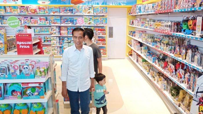 Mengintip Kedekatan Jokowi dan Iriana dengan Jan Ethes Saat di The Park Mall Solo, Ini Fotonya